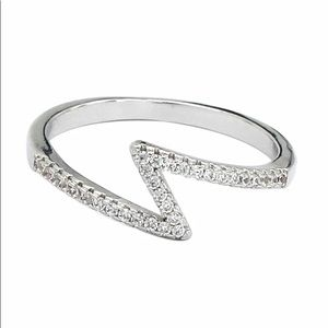 Fashion irregular crystal ring